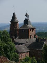 Eglise Saint-Pierre ou Saint-Sauveur - Français:   L\'église Saint-Pierre de Collonges-la-Rouge (Corrèze, Limousin, France).