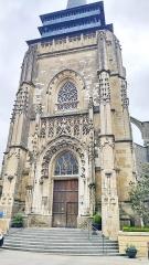 Eglise - Français:   Neufchâtel-en-Bray - Église - Tour-clocher