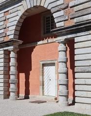 Ancienne saline royale, actuellement Fondation Claude-Nicolas Ledoux - Français:   Bâtiment des Commis de la Saline royale d\'Arc-et-Senans (39).