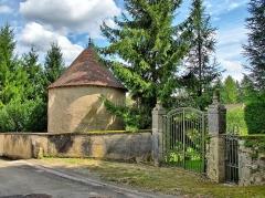 Château de Gezier - Français:   Le pigeonnier du château