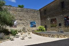 Ancien château - Français:   Musée du Lauragais dans le Présidial: cour intérieure
