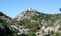 Ruines du Castellas - Français:   Ruines du Castellas, Saint-Victor-la-Coste, Gard, France.