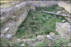 Villa gallo-romaine - Français:   Lespignan, Occitanie, Hérault, villa romaine de Vivios, grande piscine, vue de l\'est: escaliers, parois nord, ouest, sud, escaliers et banquettes.