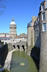 Château d'Aumont -  Boulogne-sur-Mer (Pas-de-Calais) - Le château-musée - Douves