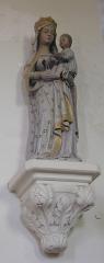 Eglise - Français:   Bréel (Normandie, France). La Vierge à l\'Enfant au chardonneret de l\'église Saint-Pierre-et-Saint-Paul.
