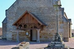 Eglise Saint-Cyr et Sainte-Julitte - Français:   Portail Église Saint-Cyr-et-Sainte-Julitte de Clamerey