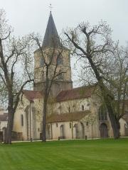 Château - Français:   Photographie de l\'église Saint-Symphorien d\'Epoisses (21). Celle-ci se situe dans la cour du château, Rue de Semur.