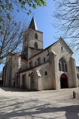Château - Français:   Extérieur de l\'église Saint-Symphorien d\'Époisses (21). Façade occidentale.