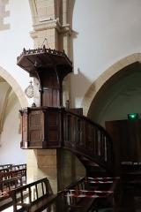Château - Français:   Intérieur de l\'église Saint-Symphorien d\'Époisses (21). Chaire.