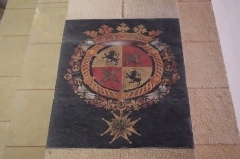 Château - Français:   Intérieur de l\'église Saint-Symphorien d\'Époisses (21). Peinture murales. Armoiries.