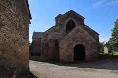 Eglise Saint-Julien - Français:   Extérieur de l\'église romane Saint-Julien à Sennecey-le-Grand (71).