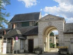 Hôpital Saint-Jean - Français:   Hospice Saint-Jean de Sens.