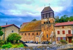 Eglise Saint-Theudère - Deutsch:   Südseite der Kirche St. Theudère, Saint-Chef, Département Isère, Region Auvergne-Rhône-Alpes (ehemals Rhône-Alpes), Frankreich