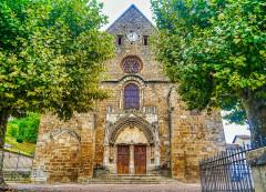 Eglise Saint-Theudère - Deutsch:   Fassade der Kirche St. Theudère, Saint-Chef, Département Isère, Region Auvergne-Rhône-Alpes (ehemals Rhône-Alpes), Frankreich