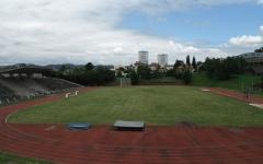 Stade Le Corbusier - Français:   Stade de Firminy-Vert (architecte: Le Corbusier). A droite, un détail de la Maison de la Culture (également du Corbusier).