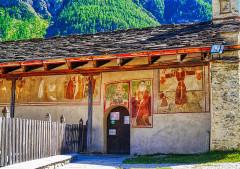 Chapelle Saint-Antoine - Deutsch:   Fresken der Nordfassade der Kapelle St. Antonius, Bessans, Département Savoyen, Region Auvergne-Rhône-Alpes (ehemals Rhône-Alpes), Frankreich