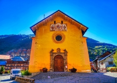 Eglise - Deutsch:   Fassade der Kirche Marä Himmelfahrt, Valloire, Département Savoyen, Region Auvergne-Rhône-Alpes (ehemals Rhône-Alpes), Frankreich