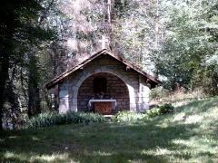 Château - Français:   chapelle dans le bois du château de Clermont en Genevois