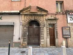 Immeuble dit Maison Castagnola - Français:   Entrée principale de la Casa Castagnola, Bastia