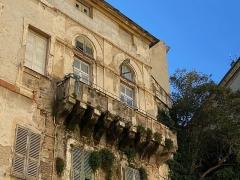 Maison de Caraffa ou ensemble immobilier dit maison de Caraffa - Français:   Détail de la façade du Palazzu Caraffa à Bastia: un balcon maçonné