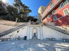 Ensemble constitué de la rampe Saint-Charles, de l'escalier et du jardin Romieu - Français:   Escalier Romieu, ou Scalinata Rinesi, à Bastia, Vieux-Port
