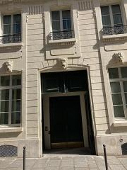 Ancien hôtel Rivié - Français:   Hôtel Rivié rue du Sentier, Paris IIe.