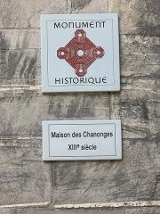 Maison des Chanonges ou du Chapître, anciennement collège des Chanoines de la cathédrale - French Wikimedian, software engineer, science writer, sportswriter, correspondent and radio personality