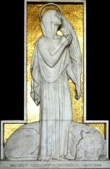 Eglise Saint-Louis - Français:   Bas relief en marbre blanc de Louis Botinelly placé dans une chapelle de l\'église Saint-Louis de Marseille représentant sainte Fortunée tenant la palme des martyrs avec à ses pieds un lion.