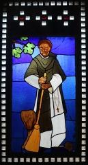 Eglise Saint-Louis - Français:   Vitrail représentant saint Martin de Porrés placé dans le narthex de l\'église Saint-Louis de Marseille._