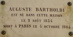Musée Bartholdi - Français:   Plaque commémorative