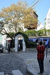 Moulin de la Galette -  Paris 2016 10 12 Walk to Montmartre (72)
