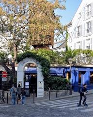 Moulin de la Galette -  Paris 2016 10 12 Walk to Montmartre (74)