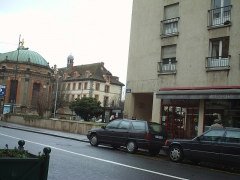 Eglise Saint-Louis - Français:   Rue Grande près de la place de la République, à Fontainebleau.