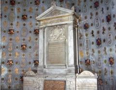 Eglise Saint-Louis - English:   Tomb of King James II