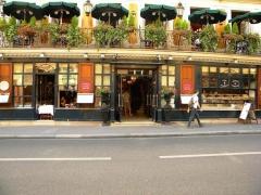Café Le Procope - English:   Restaurant Le Procope (fonde en 1686), Paris