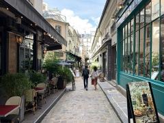 Passage de la Cour du Commerce Saint-André (voir aussi : Enceinte de Philipe-Auguste) - Français:   Cour du Commerce Saint-André, Paris.