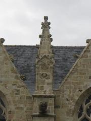 Eglise Saint-Melaine - Français:   Pinacle de la façade méridionale de l\'église Saint-Melaine à Domalain (35).