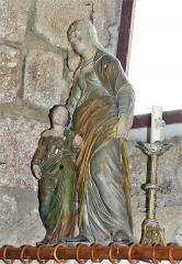 Eglise Saint-Priest - Français:   Groupe sculpté représentant l\'Éducation de la Vierge, église de Saint-Priest-la-Plaine, Creuse, France.