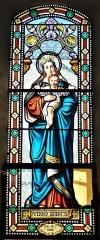 Eglise Saint-Priest - Français:   Vitrail représentant la Vierge à l\'Enfant, église de Saint-Priest-la-Plaine, Creuse, France.