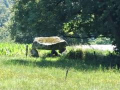 Dolmen de Saint-Hilaire - Français:   Le dolmen de Saint-Hilaire, Saint-Priest-la-Plaine, Creuse, France.