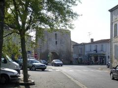 Anciennes fortifications -  La porte fortifiée