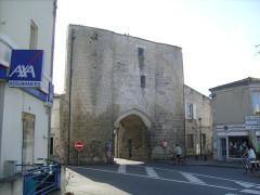 Anciennes fortifications -  Porte médiévale