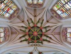 Eglise Saint-Christophe - Deutsch:   Chorgewölbe der Kirche St. Christophe, Tourcoing, Département Nord, Region Oberfrankreich (ehemals Nord-Pas-de-Calais), Frankreich