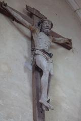 Eglise Saint-Valérien - Français:   Intérieur de l\'église Saint-Valérien à Chitry (89). Groupe sculpté: le Christ en croix entre la Vierge et Saint-Jean. Détail. Le Christ.