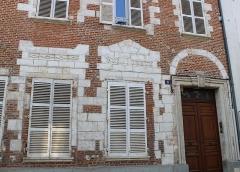 Relais de poste - Français:   Ancien relais de poste