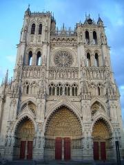 Cathédrale Notre-Dame - Français:   Amiens - Façade de la Cathédrale Notre-Dame d\'Amiens.