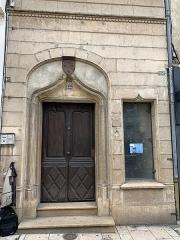 Immeuble - Français:   Porte de la maison des Bourbons, Villefranche-sur-Saône.