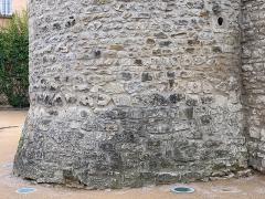 Tour et remparts - Français:   Tour des anciens remparts, Villefranche-sur-Saône.