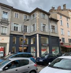 Immeuble - Français:   Immeuble, 673 rue Nationale, Villefranche-sur-Saône.
