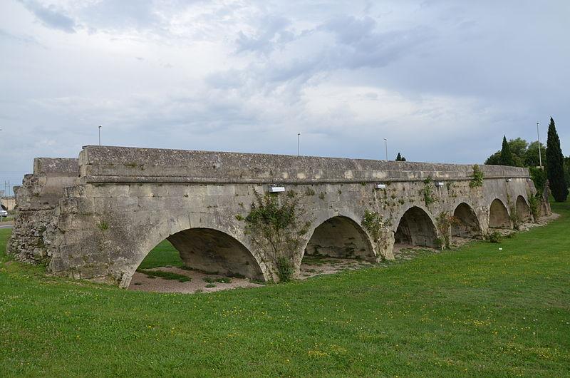 Aqueduc du Pont de Crau (restes) à Arles - PA00081121 - Monumentum
